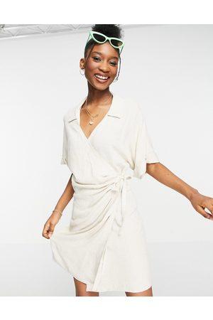 ASOS Dame Sommerkjoler - Linen wrap mini dress in natural-White
