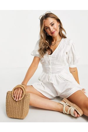 ASOS Dame Playsuits - Lace insert button front playsuit in white-Multi