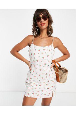 ASOS Dame Mønstrede kjoler - Linen cami mini sundress in raspberry print-Multi