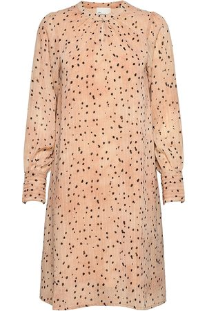 My Essential Wardrobe Dame Midikjoler - Mwprimo Dot Dress Knelang Kjole Creme
