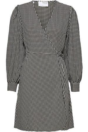 SELECTED Slfcharlie Ls Short Wrap Dress B Knelang Kjole