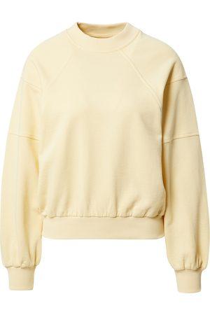 A LOT LESS Sweatshirt 'Kate