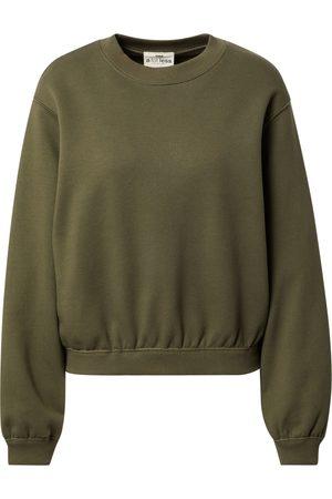 A LOT LESS Sweatshirt 'Haven
