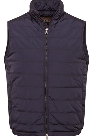 Oscar Jacobson Vest