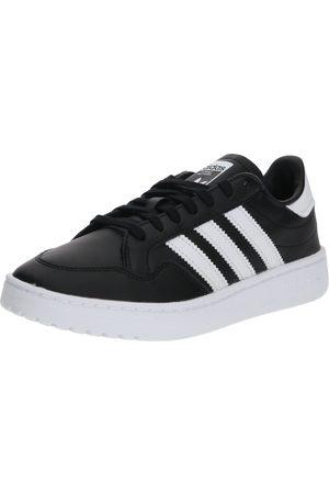 adidas Sneaker 'Team Court J