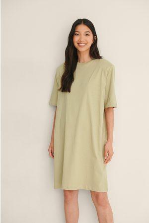 NA-KD Dame Hverdagskjoler - Organisk T-Skjortekjole Med Polstret Skulder