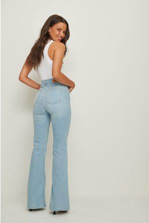 NA-KD Dame Bootcut - Økologiske Skinny Bootcut Jeans