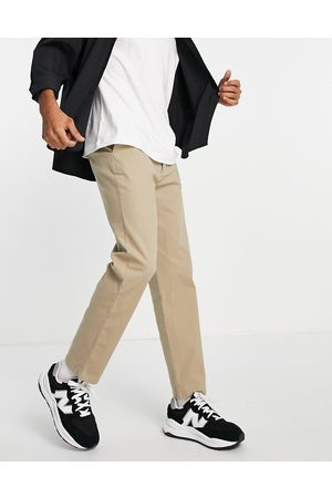 ASOS Herre Chinos - Relaxed skater chinos in -Neutral