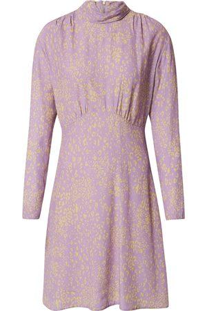 Closet Dame Korte kjoler - Kjoler