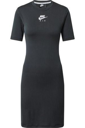 Nike Dame Korte kjoler - Kjoler