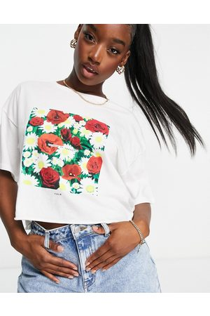 RVCA Dame Kortermede - Super Bloom oversized crop t shirt in white