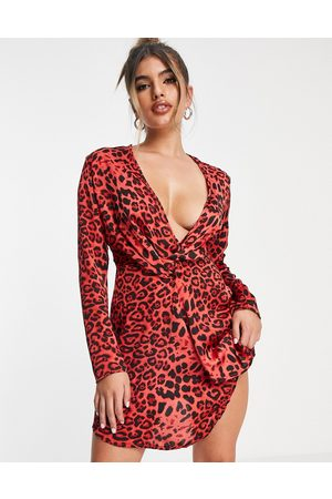 I saw it first Woven plunge neck knot front dress in red leopard print