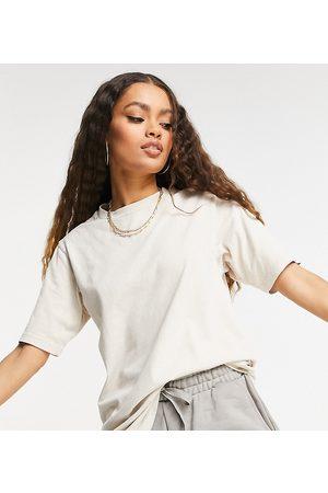 ASOS Dame Kortermede - ASOS DESIGN Petite oversized t-shirt in washed stone-Neutral