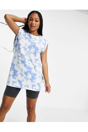 Pieces Longline t-shirt in blue tie dye-Multi
