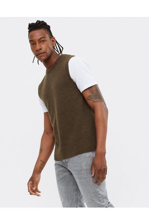 New Look Knitted vest in brown