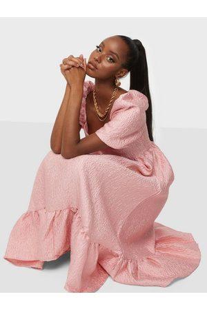 Glamorous Dame Festkjoler - Texture Midi Dress