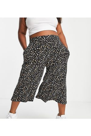 Yours Exclusive culottes in monochrome print-Black