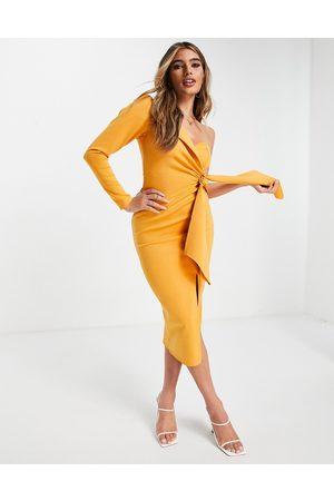 ASOS DESIGN Dame Midikjoler - Long sleeve one shoulder tie front midi dress in butterscotch-Multi