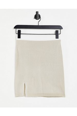 Missguided Co-ord knitted side split skirt in stone-Neutral