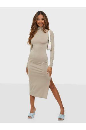 NLY Trend Effortless Midi Dress