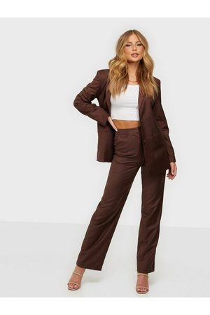 NLY Dame Chinos - Oversized Suit Pants