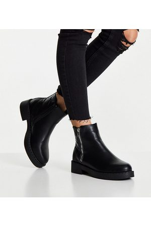 Truffle Collection Wide fit side zip ankle boots with quilting in black