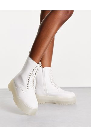 Pimkie Dame Skoletter - Faux leather lace up ankle boot in white
