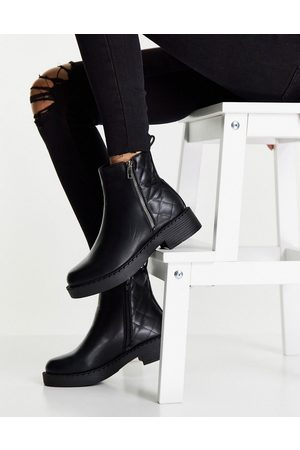Truffle Collection Dame Skoletter - Side zip ankle boots with quilting in black