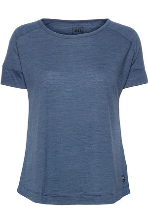 Supernatural W Isla Tee T-shirts & Tops Short-sleeved Blå