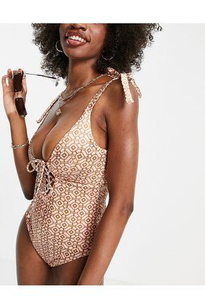 ASOS Dame Badedrakter - Fuller bust lace up swimsuit in pretty tile print-Multi