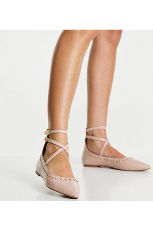 Schuh Laney leather studded flat shoes in blush-Neutral
