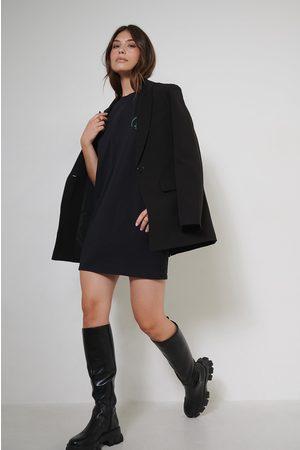 Charelle x NA-KD Dame Hverdagskjoler - T-Skjortekjole