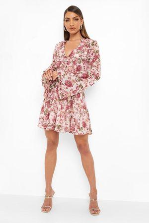 Boohoo Floral Print Flared Sleeve Skater Dress