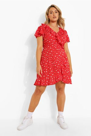 Boohoo Plus Woven Star Print Wrap Tea Dress