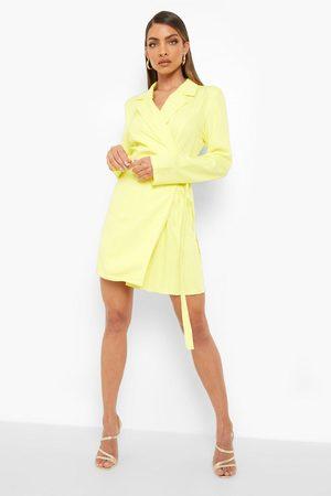 Boohoo Woven Wrap Pleat Detail Blazer Dress