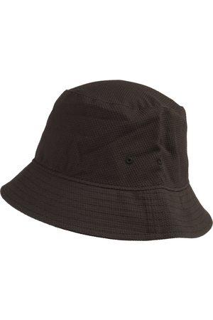 Weekday Hatt 'Beta