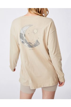 Cotton On Relaxed long sleeve graphic t-shirt in stone-Neutral