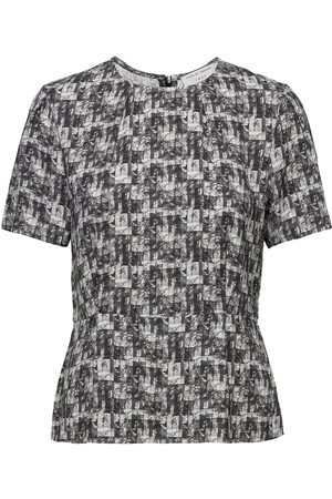 Tiger of Sweden Gea P T-shirts & Tops Short-sleeved Grå