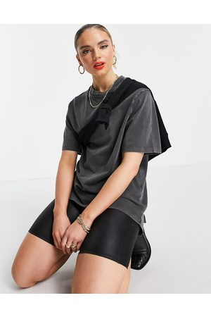 ASOS Dame Kortermede - Oversized t-shirt with dipped hem in washed grey
