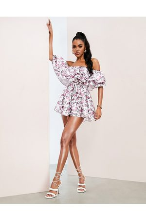 ASOS Luxe Dame Playsuits - Bardot playsuit with ruffles in floral print-Multi