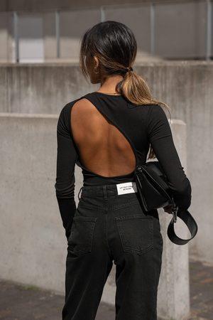 Amalie Star x NA-KD Dame Body - Body med lange ermer og åpen rygg