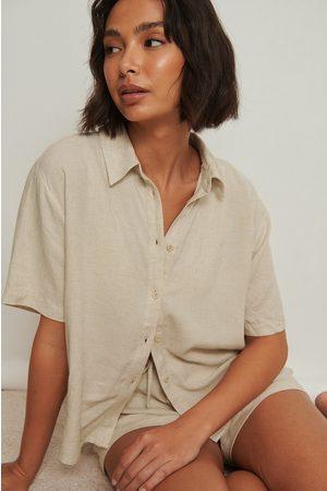 NA-KD Dame Pyjamaser - Loungewear skjorte i lin med korte ermer