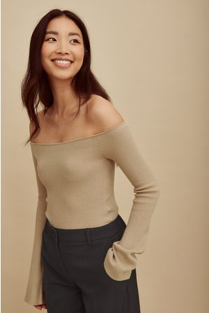 Amalie Star x NA-KD Dame Off shoulder topper - Strikket off shoulder-topp