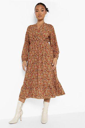 Boohoo Dame Midikjoler - Petite Ditsy Ruffle Hem Midaxi Dress