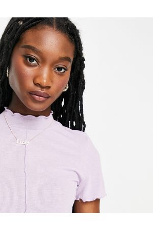 Pieces Dame Kortermede - Lettuce edge high neck t-shirt in lilac-Purple