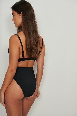 NA-KD Swimwear Dame Bikinier - Bikinitruse med sømdetaljer og høyt liv