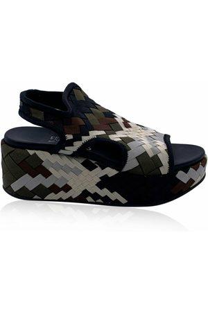 Salvatore Ferragamo Pre-owned Woven Fabric Wedge Sandals US 7 EU 37.5
