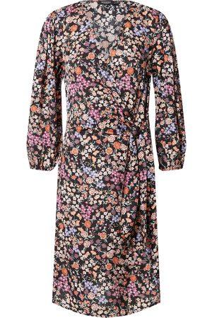 SOAKED IN LUXURY Kjoler 'Kimaya