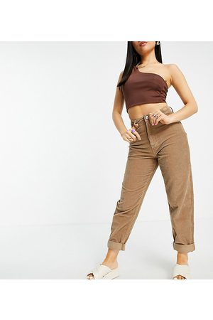 ASOS Dame High waist - ASOS DESIGN Petite high rise 'slouchy' mom jeans in biscuit cord-Brown
