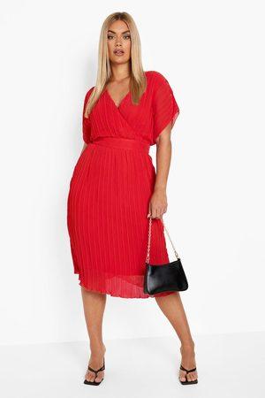 Boohoo Dame Hverdagskjoler - Plus Occasion Pleated Wrap Midi Dress